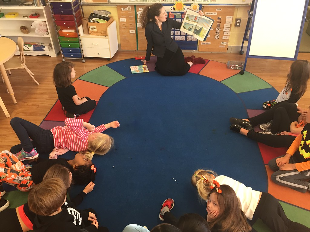 Open Book: Head of School Suzanne Fogarty Reads Story to Ginkgo